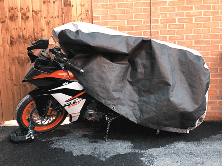 How to Put on a Motorcycle Cover