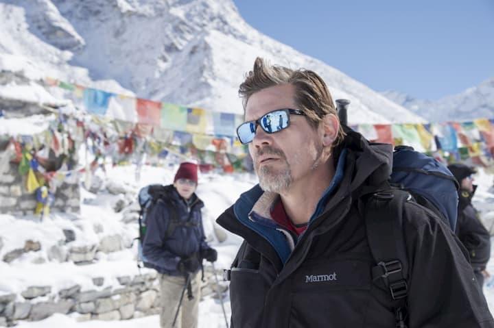 revo sunglasses become populatr - Everest