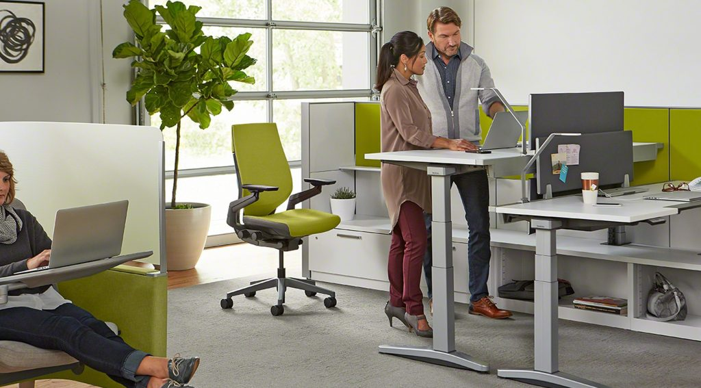 choose a perfect adjustable computer desk