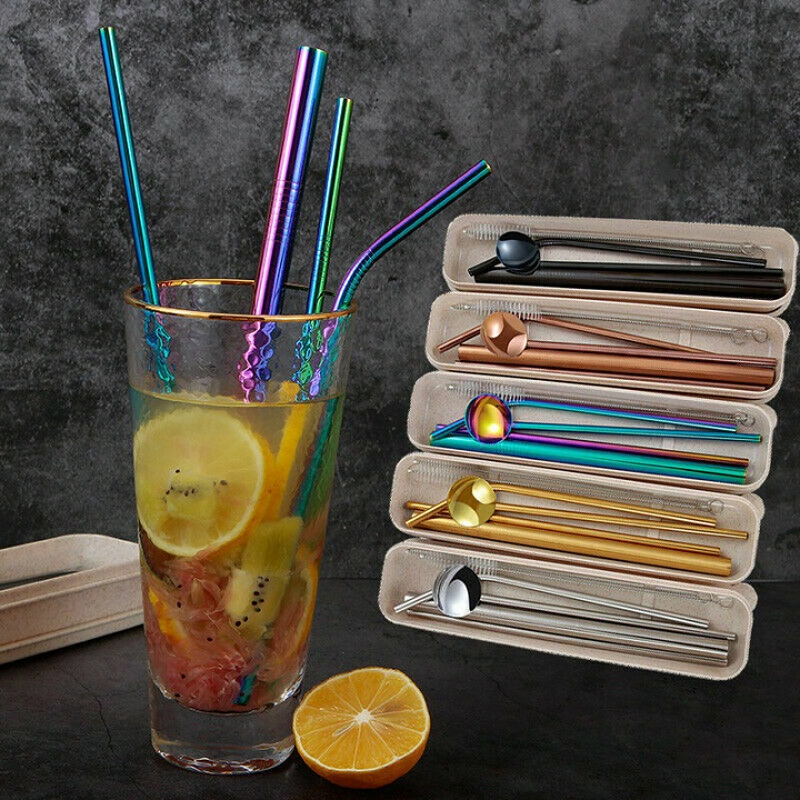 picture of stainless steel metal drinking straws for gift in a glass with lemons