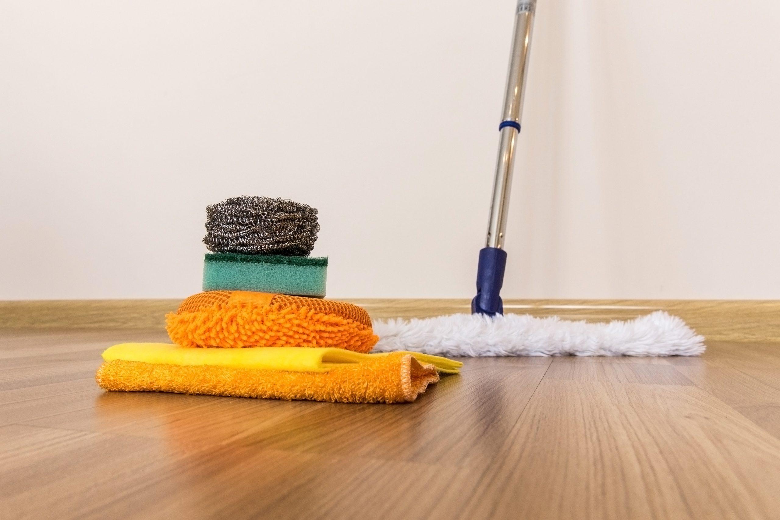 cleaning-vinyl-floor