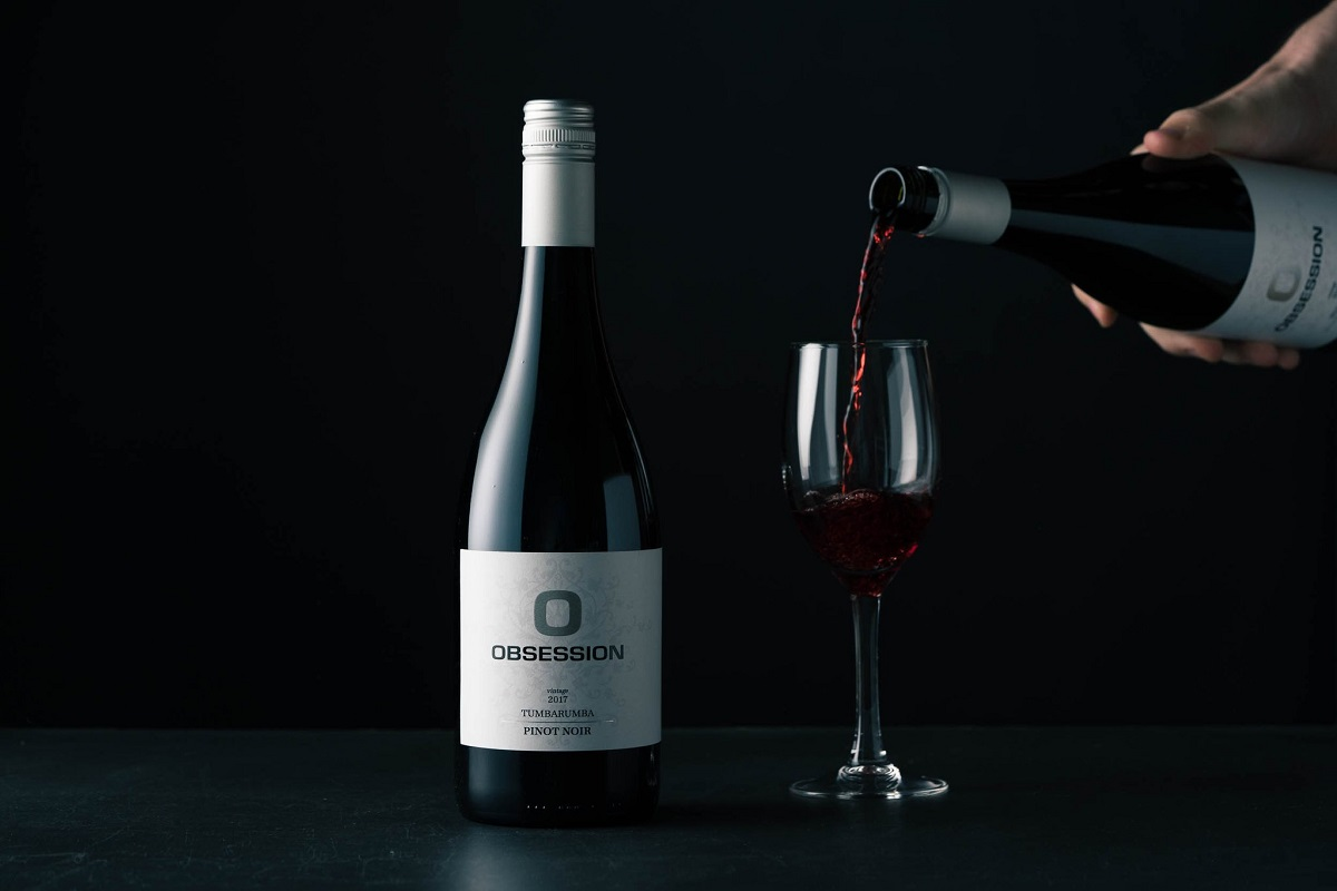 Obsession_Wine_Pinor_Noir_Serving
