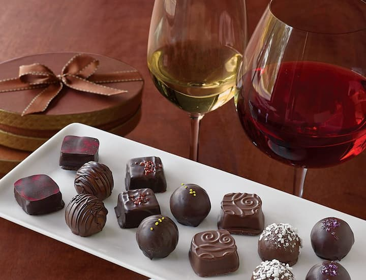 Ever struggled to figure out what gift to buy for a birthday or any special occasion? Because I sure have. Been there, done that, my friend. One of the classic gift combinations you can do is wine and chocolate