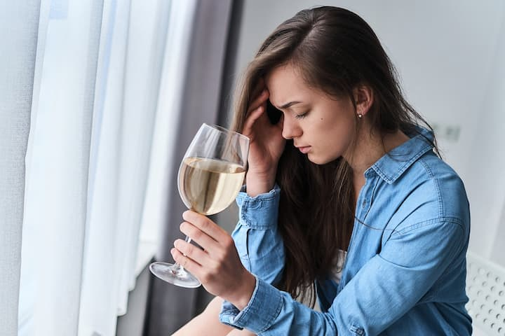 ince organic wines have fewer additives, sulphites and other harmful toxins, you can rest assured that their negative impact and hangover contribution the next day will be significantly lowered