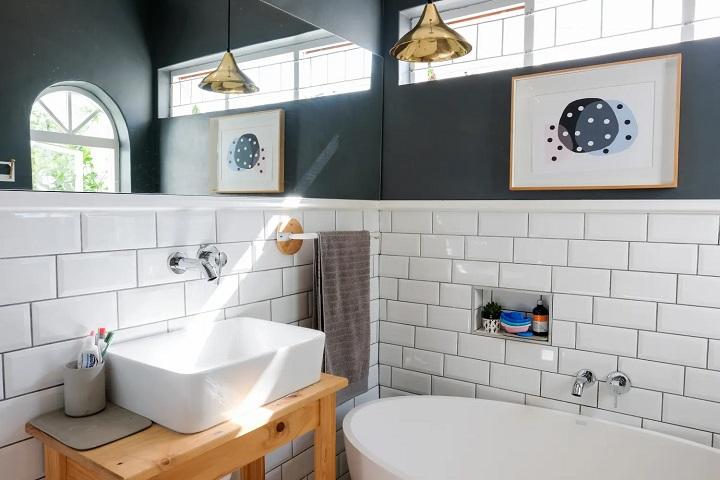 Bathroom-Additional-Storage-Space