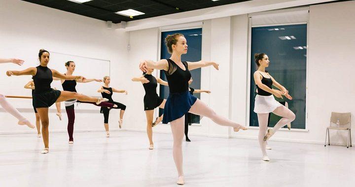 picture of ballerinas dancing